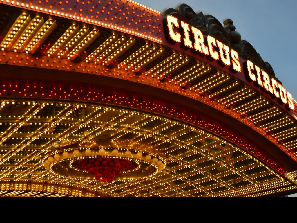 Las vegas hotel attractions and famous vegas spectacles